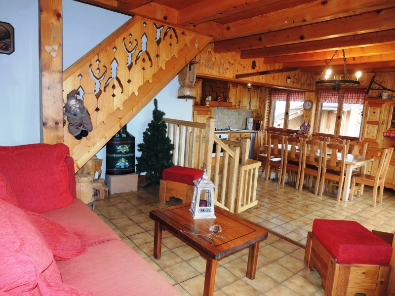 Tete-de-Carres-salon-location-appartement-chalet-Les-Gets