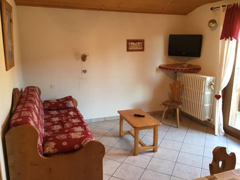 Toure-2-salon-location-appartement-chalet-Les-Gets