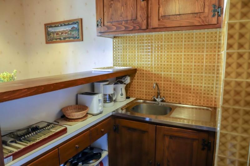Tournier-1-cuisine-location-appartement-chalet-Les-Gets