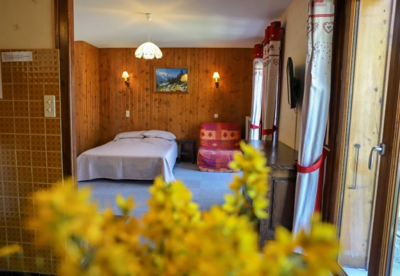 Tournier-1-lit-double-location-appartement-chalet-Les-Gets