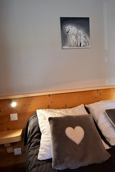 Turche-Myosotis-chambre1-location-appartement-chalet-Les-Gets