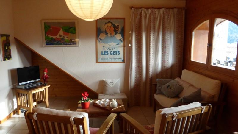 Versant-du-Soleil-Perce-Neige-salon2-location-appartement-chalet-Les-Gets