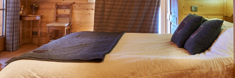 Vinson-lit-double2-location-appartement-chalet-Les-Gets