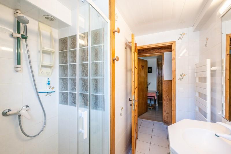 Wilky-1-salle-de-bain1-location-appartement-chalet-Les-Gets