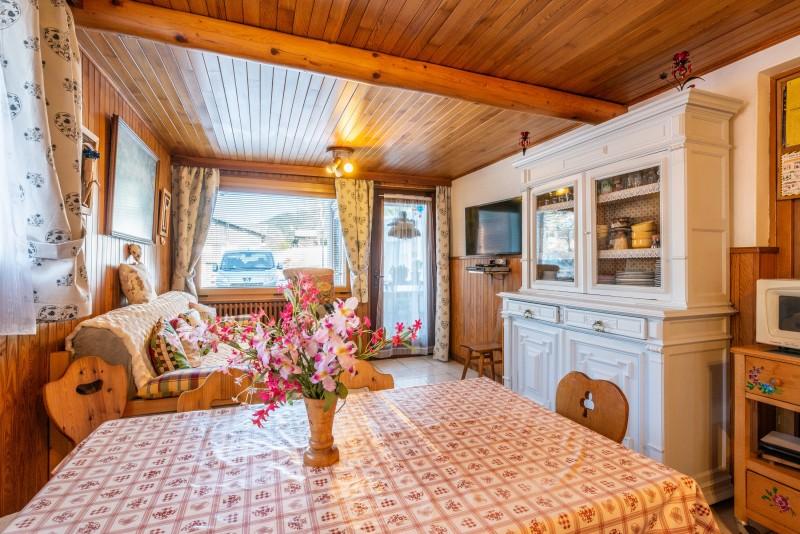 Wilky-1-sejour-salle-a-manger-location-appartement-chalet-Les-Gets
