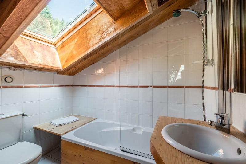 ysope-salle-de-bain-chalet-appartement-Les-Gets